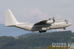 http://flying-wings.com/plugins/content/sige/plugin_sige/showthumb.php?img=/images/airshows/18_siaf/Gallery/SIAF_C-130_Austria-7314_Zeitler.jpg&width=180&height=200&quality=80&ratio=1&crop=0&crop_factor=50&thumbdetail=0