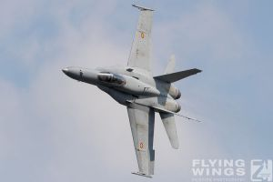 http://flying-wings.com/plugins/content/sige/plugin_sige/showthumb.php?img=/images/airshows/18_siaf/Gallery/SIAF_F-18_Spain-8394_Zeitler.jpg&width=180&height=200&quality=80&ratio=1&crop=0&crop_factor=50&thumbdetail=0