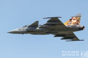 http://flying-wings.com/plugins/content/sige/plugin_sige/showthumb.php?img=/images/airshows/18_siaf/Gallery/SIAF_Gripen_Czech-8133_Zeitler.jpg&width=180&height=200&quality=80&ratio=1&crop=0&crop_factor=50&thumbdetail=0