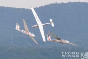 http://flying-wings.com/plugins/content/sige/plugin_sige/showthumb.php?img=/images/airshows/18_siaf/Gallery/SIAF_Sailplane-9401_Zeitler.jpg&width=180&height=200&quality=80&ratio=1&crop=0&crop_factor=50&thumbdetail=0