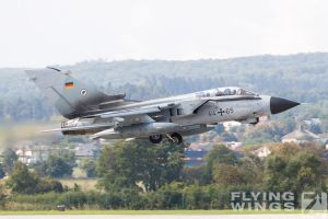 http://flying-wings.com/plugins/content/sige/plugin_sige/showthumb.php?img=/images/airshows/18_siaf/Gallery/SIAF_Tornado_Luftwaffe-0271_Zeitler.jpg&width=180&height=200&quality=80&ratio=1&crop=0&crop_factor=50&thumbdetail=0