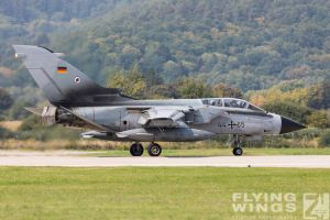 http://flying-wings.com/plugins/content/sige/plugin_sige/showthumb.php?img=/images/airshows/18_siaf/Gallery/SIAF_Tornado_Luftwaffe-8197_Zeitler.jpg&width=180&height=200&quality=80&ratio=1&crop=0&crop_factor=50&thumbdetail=0