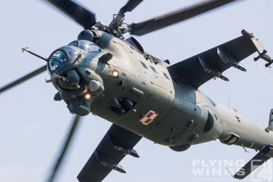 http://flying-wings.com/plugins/content/sige/plugin_sige/showthumb.php?img=/images/airshows/18_siaf/Mi-24_Pol/SIAF_Mi-24_Poland-7878_Zeitler.jpg&width=396&height=300&quality=80&ratio=1&crop=0&crop_factor=50&thumbdetail=0