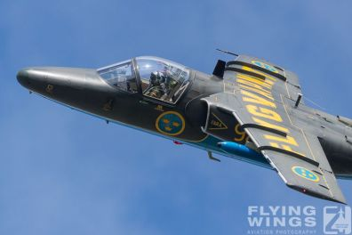 http://flying-wings.com/plugins/content/sige/plugin_sige/showthumb.php?img=/images/airshows/18_siaf/MiG/SIAF_Sk60_Sweden-8377_Zeitler.jpg&width=396&height=300&quality=80&ratio=1&crop=0&crop_factor=50&thumbdetail=0