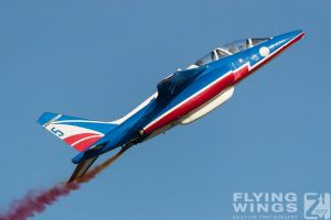 http://flying-wings.com/plugins/content/sige/plugin_sige/showthumb.php?img=/images/airshows/18_siaf/PdF/SIAF_Patrouille_de_France-8594_Zeitler.jpg&width=396&height=300&quality=80&ratio=1&crop=0&crop_factor=50&thumbdetail=0