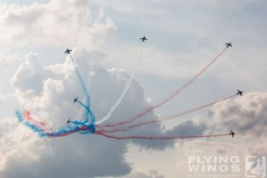 http://flying-wings.com/plugins/content/sige/plugin_sige/showthumb.php?img=/images/airshows/18_siaf/Teams/SIAF_Patrouille_de_France-7305_Zeitler.jpg&width=260&height=300&quality=80&ratio=1&crop=0&crop_factor=50&thumbdetail=0
