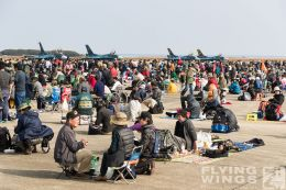 http://flying-wings.com/plugins/content/sige/plugin_sige/showthumb.php?img=/images/airshows/18_tsuiki/crowd3/Tsuiki_Airshow_so-5939_Zeitler.jpg&width=260&height=300&quality=80&ratio=1&crop=0&crop_factor=50&thumbdetail=0