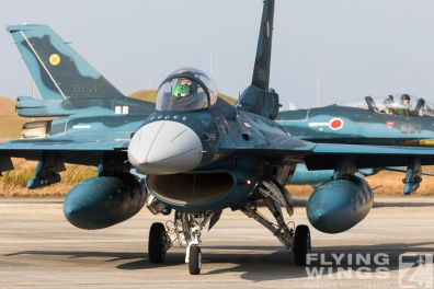 http://flying-wings.com/plugins/content/sige/plugin_sige/showthumb.php?img=/images/airshows/18_tsuiki/f-2duo4/Tsuiki_Airshow_F-2_Duo-2700_Zeitler.jpg&width=396&height=300&quality=80&ratio=1&crop=0&crop_factor=50&thumbdetail=0