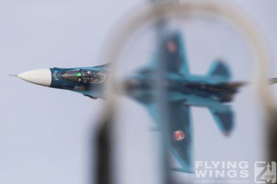 http://flying-wings.com/plugins/content/sige/plugin_sige/showthumb.php?img=/images/airshows/18_tsuiki/f-2duo4/Tsuiki_Airshow_F-2_Duo-6188_Zeitler.jpg&width=396&height=300&quality=80&ratio=1&crop=0&crop_factor=50&thumbdetail=0