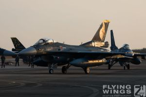 http://flying-wings.com/plugins/content/sige/plugin_sige/showthumb.php?img=/images/airshows/18_tsuiki/gallery/Tsuiki_Airshow_F-2-2289_Zeitler.jpg&width=180&height=200&quality=80&ratio=1&crop=0&crop_factor=50&thumbdetail=0