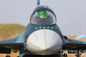 http://flying-wings.com/plugins/content/sige/plugin_sige/showthumb.php?img=/images/airshows/18_tsuiki/gallery/Tsuiki_Airshow_F-2-2713_Zeitler.jpg&width=180&height=200&quality=80&ratio=1&crop=0&crop_factor=50&thumbdetail=0