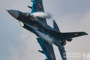 http://flying-wings.com/plugins/content/sige/plugin_sige/showthumb.php?img=/images/airshows/18_tsuiki/gallery/Tsuiki_Airshow_F-2_Duo-6078_Zeitler.jpg&width=180&height=200&quality=80&ratio=1&crop=0&crop_factor=50&thumbdetail=0