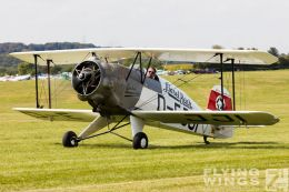 http://flying-wings.com/plugins/content/sige/plugin_sige/showthumb.php?img=/images/airshows/19_Hahnweide/Buecker_6/Hahnweide19_Bücker-9216_Zeitler.jpg&width=260&height=300&quality=80&ratio=1&crop=0&crop_factor=50&thumbdetail=0