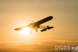http://flying-wings.com/plugins/content/sige/plugin_sige/showthumb.php?img=/images/airshows/19_Hahnweide/Carlson_6/Hahnweide19_Bleriot-2796_Zeitler.jpg&width=260&height=300&quality=80&ratio=1&crop=0&crop_factor=50&thumbdetail=0