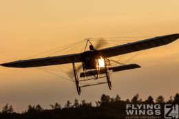 http://flying-wings.com/plugins/content/sige/plugin_sige/showthumb.php?img=/images/airshows/19_Hahnweide/Carlson_6/Hahnweide19_Bleriot-8747_Zeitler.jpg&width=260&height=300&quality=80&ratio=1&crop=0&crop_factor=50&thumbdetail=0