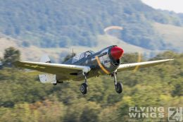 http://flying-wings.com/plugins/content/sige/plugin_sige/showthumb.php?img=/images/airshows/19_Hahnweide/Warbirds_9/Hahnweide19_P-40_Kittyhawk-6074_Zeitler.jpg&width=260&height=300&quality=80&ratio=1&crop=0&crop_factor=50&thumbdetail=0