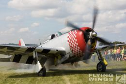http://flying-wings.com/plugins/content/sige/plugin_sige/showthumb.php?img=/images/airshows/19_Hahnweide/Warbirds_9/Hahnweide19_P-47-2993_Zeitler.jpg&width=260&height=300&quality=80&ratio=1&crop=0&crop_factor=50&thumbdetail=0