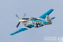 http://flying-wings.com/plugins/content/sige/plugin_sige/showthumb.php?img=/images/airshows/19_Hahnweide/Warbirds_9/Hahnweide19_P-51-9057_Zeitler.jpg&width=260&height=300&quality=80&ratio=1&crop=0&crop_factor=50&thumbdetail=0