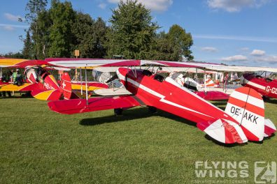 http://flying-wings.com/plugins/content/sige/plugin_sige/showthumb.php?img=/images/airshows/19_Hahnweide/bunt_6/Hahnweide19_static-0970_Zeitler.jpg&width=396&height=300&quality=80&ratio=1&crop=0&crop_factor=50&thumbdetail=0