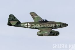 http://flying-wings.com/plugins/content/sige/plugin_sige/showthumb.php?img=/images/airshows/19_Hahnweide/bunt_9/Hahnweide19_Me_262-9193_Zeitler.jpg&width=260&height=300&quality=80&ratio=1&crop=0&crop_factor=50&thumbdetail=0