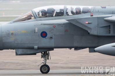 http://flying-wings.com/plugins/content/sige/plugin_sige/showthumb.php?img=/images/airshows/19_Marham/Tornado2/RAF_Tornado_GR4_Marham-6777_Zeitler.jpg&width=396&height=300&quality=80&ratio=1&crop=0&crop_factor=50&thumbdetail=0