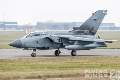 http://flying-wings.com/plugins/content/sige/plugin_sige/showthumb.php?img=/images/airshows/19_Marham/Tornado2/RAF_Tornado_GR4_Marham-9478_Zeitler.jpg&width=396&height=300&quality=80&ratio=1&crop=0&crop_factor=50&thumbdetail=0
