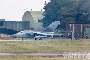 http://flying-wings.com/plugins/content/sige/plugin_sige/showthumb.php?img=/images/airshows/19_Marham/Tornado3/RAF_Tornado_GR4_Marham-6845_Zeitler.jpg&width=260&height=300&quality=80&ratio=1&crop=0&crop_factor=50&thumbdetail=0