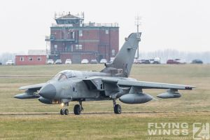 http://flying-wings.com/plugins/content/sige/plugin_sige/showthumb.php?img=/images/airshows/19_Marham/Tornado3/RAF_Tornado_GR4_Marham-9486_Zeitler.jpg&width=260&height=300&quality=80&ratio=1&crop=0&crop_factor=50&thumbdetail=0