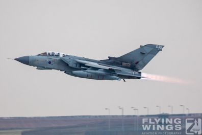 http://flying-wings.com/plugins/content/sige/plugin_sige/showthumb.php?img=/images/airshows/19_Marham/afterburner2/RAF_Tornado_GR4_Marham-6855_Zeitler.jpg&width=396&height=300&quality=80&ratio=1&crop=0&crop_factor=50&thumbdetail=0