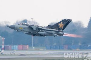 http://flying-wings.com/plugins/content/sige/plugin_sige/showthumb.php?img=/images/airshows/19_Marham/afterburner2/RAF_Tornado_GR4_Marham-9426_Zeitler.jpg&width=396&height=300&quality=80&ratio=1&crop=0&crop_factor=50&thumbdetail=0