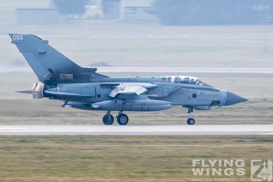 http://flying-wings.com/plugins/content/sige/plugin_sige/showthumb.php?img=/images/airshows/19_Marham/final2/RAF_Tornado_GR4_Marham-9565_Zeitler.jpg&width=396&height=300&quality=80&ratio=1&crop=0&crop_factor=50&thumbdetail=0