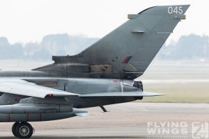 http://flying-wings.com/plugins/content/sige/plugin_sige/showthumb.php?img=/images/airshows/19_Marham/gallery/RAF_Tornado_GR4_Marham-6749_Zeitler.jpg&width=260&height=400&quality=80&ratio=1&crop=0&crop_factor=50&thumbdetail=0