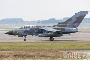 http://flying-wings.com/plugins/content/sige/plugin_sige/showthumb.php?img=/images/airshows/19_Marham/gallery/RAF_Tornado_GR4_Marham-6764_Zeitler.jpg&width=260&height=400&quality=80&ratio=1&crop=0&crop_factor=50&thumbdetail=0