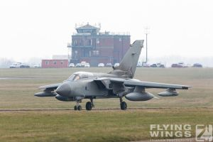 http://flying-wings.com/plugins/content/sige/plugin_sige/showthumb.php?img=/images/airshows/19_Marham/gallery/RAF_Tornado_GR4_Marham-6793_Zeitler.jpg&width=260&height=400&quality=80&ratio=1&crop=0&crop_factor=50&thumbdetail=0