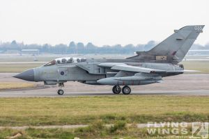http://flying-wings.com/plugins/content/sige/plugin_sige/showthumb.php?img=/images/airshows/19_Marham/gallery/RAF_Tornado_GR4_Marham-6802_Zeitler.jpg&width=260&height=400&quality=80&ratio=1&crop=0&crop_factor=50&thumbdetail=0