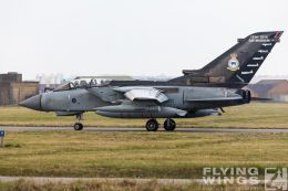http://flying-wings.com/plugins/content/sige/plugin_sige/showthumb.php?img=/images/airshows/19_Marham/gallery/RAF_Tornado_GR4_Marham-6837_Zeitler.jpg&width=260&height=400&quality=80&ratio=1&crop=0&crop_factor=50&thumbdetail=0