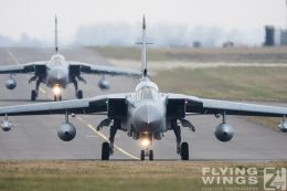 http://flying-wings.com/plugins/content/sige/plugin_sige/showthumb.php?img=/images/airshows/19_Marham/gallery/RAF_Tornado_GR4_Marham-6874_Zeitler.jpg&width=260&height=400&quality=80&ratio=1&crop=0&crop_factor=50&thumbdetail=0