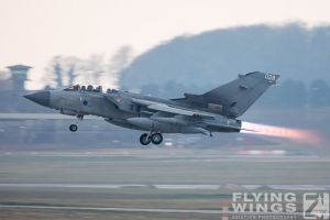 http://flying-wings.com/plugins/content/sige/plugin_sige/showthumb.php?img=/images/airshows/19_Marham/gallery/RAF_Tornado_GR4_Marham-6916_Zeitler.jpg&width=260&height=400&quality=80&ratio=1&crop=0&crop_factor=50&thumbdetail=0