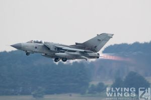 http://flying-wings.com/plugins/content/sige/plugin_sige/showthumb.php?img=/images/airshows/19_Marham/gallery/RAF_Tornado_GR4_Marham-9384_Zeitler.jpg&width=260&height=400&quality=80&ratio=1&crop=0&crop_factor=50&thumbdetail=0