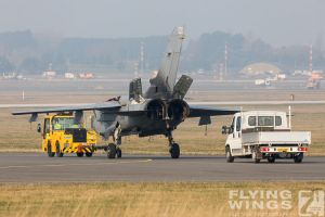 http://flying-wings.com/plugins/content/sige/plugin_sige/showthumb.php?img=/images/airshows/19_Marham/wreck2/RAF_Tornado_GR4_Marham-6729_Zeitler.jpg&width=396&height=300&quality=80&ratio=1&crop=0&crop_factor=50&thumbdetail=0