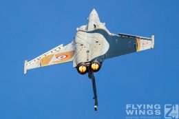 http://flying-wings.com/plugins/content/sige/plugin_sige/showthumb.php?img=/images/airshows/19_Melun/AdlA_6/Melun_Rafale_Solo-4724_Zeitler.jpg&width=260&height=300&quality=80&ratio=1&crop=0&crop_factor=50&thumbdetail=0