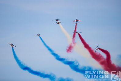http://flying-wings.com/plugins/content/sige/plugin_sige/showthumb.php?img=/images/airshows/19_Melun/Teams_4/Melun_Patrouille_de_France-4691_Zeitler.jpg&width=396&height=300&quality=80&ratio=1&crop=0&crop_factor=50&thumbdetail=0