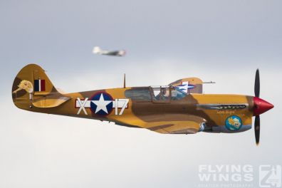 http://flying-wings.com/plugins/content/sige/plugin_sige/showthumb.php?img=/images/airshows/19_Melun/warbirds_8/Melun_P-40-5478_Zeitler.jpg&width=396&height=300&quality=80&ratio=1&crop=0&crop_factor=50&thumbdetail=0