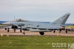http://flying-wings.com/plugins/content/sige/plugin_sige/showthumb.php?img=/images/airshows/20_BlueWings/3-1/_Eurofighter-3070_Zeitler.jpg&width=260&height=300&quality=80&ratio=1&crop=0&crop_factor=50&thumbdetail=0