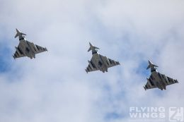 http://flying-wings.com/plugins/content/sige/plugin_sige/showthumb.php?img=/images/airshows/20_BlueWings/3-1/_Eurofighter-8576_Zeitler.jpg&width=260&height=300&quality=80&ratio=1&crop=0&crop_factor=50&thumbdetail=0