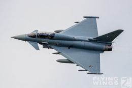 http://flying-wings.com/plugins/content/sige/plugin_sige/showthumb.php?img=/images/airshows/20_BlueWings/3-3/_Eurofighter-8927_Zeitler.jpg&width=260&height=300&quality=80&ratio=1&crop=0&crop_factor=50&thumbdetail=0