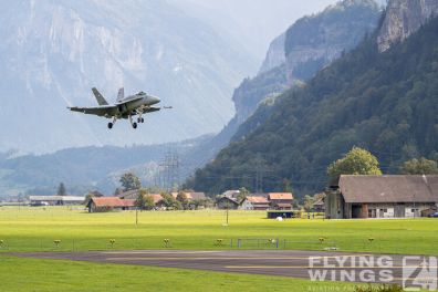 http://flying-wings.com/plugins/content/sige/plugin_sige/showthumb.php?img=/images/airshows/20_Meiringen/2/Meiringen_Hornet-9446_Zeitler.jpg&width=396&height=300&quality=80&ratio=1&crop=0&crop_factor=50&thumbdetail=0
