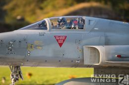 http://flying-wings.com/plugins/content/sige/plugin_sige/showthumb.php?img=/images/airshows/20_Meiringen/4/Meiringen_Tiger-9636_Zeitler.jpg&width=260&height=300&quality=80&ratio=1&crop=0&crop_factor=50&thumbdetail=0