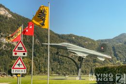 http://flying-wings.com/plugins/content/sige/plugin_sige/showthumb.php?img=/images/airshows/20_Meiringen/6/Meiringen_so-2615_Zeitler.jpg&width=260&height=300&quality=80&ratio=1&crop=0&crop_factor=50&thumbdetail=0