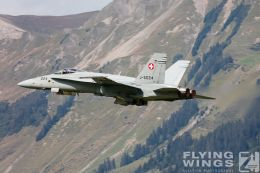 http://flying-wings.com/plugins/content/sige/plugin_sige/showthumb.php?img=/images/airshows/20_Meiringen/9/Meiringen_Hornet-8510_Zeitler.jpg&width=260&height=300&quality=80&ratio=1&crop=0&crop_factor=50&thumbdetail=0